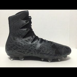 Under armor highlights Black Cleats